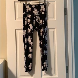 Kate Spade x Beyond Yoga leggings